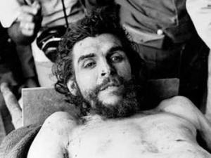 Widely circulated photo of dead Che Guevara